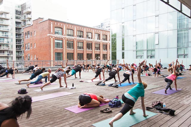Open Air Yoga Returns To The Thompson S Rooftop Deck Trnto Com