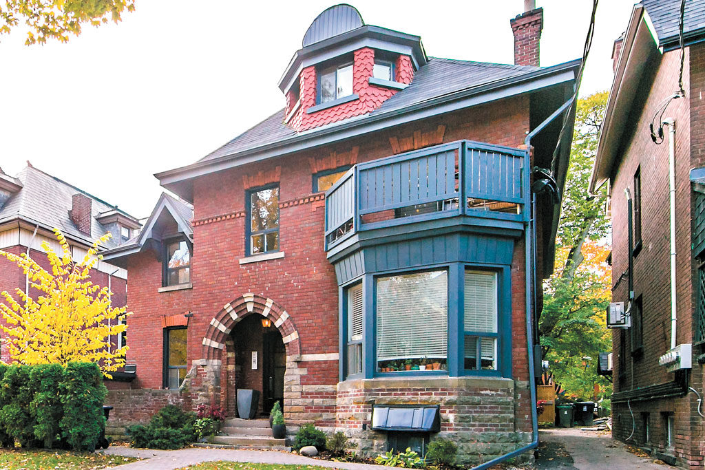 Magnificent Dream Homes Two Historic Annex Gems Go Head To Head Trnto Com Download Free Architecture Designs Xerocsunscenecom
