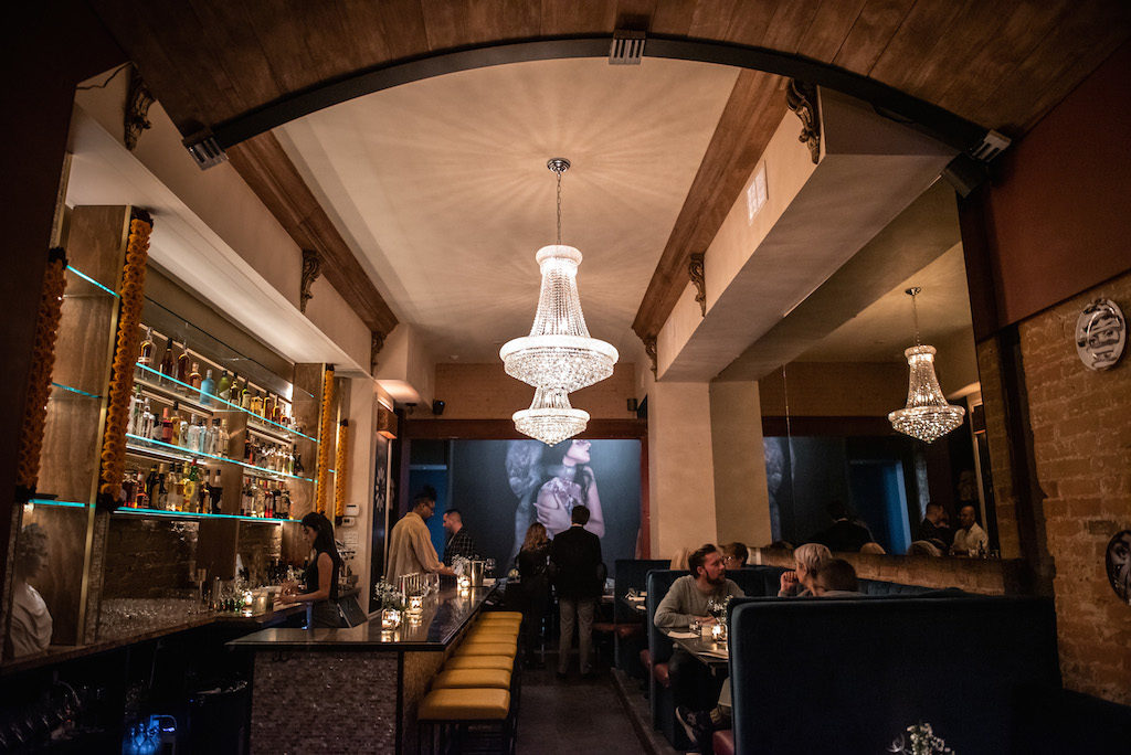 indoor dining toronto pastiche