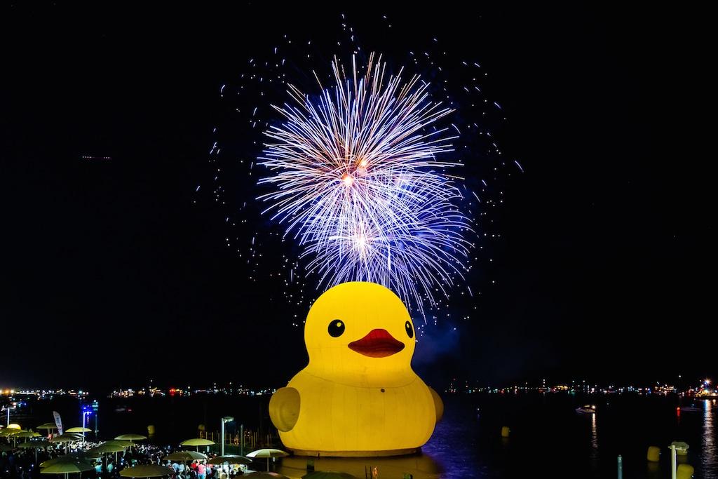 massive rubber duck