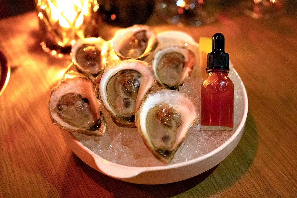 Bar Mordecai oysters