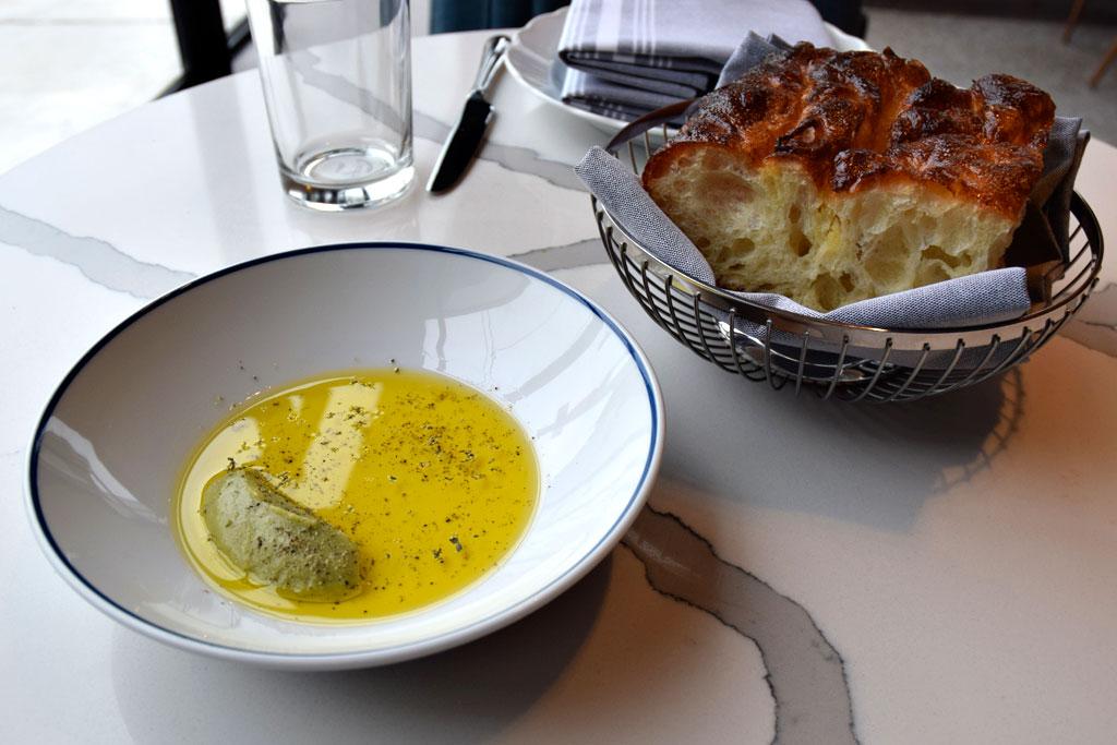 Osteria Rialto-olive-oil