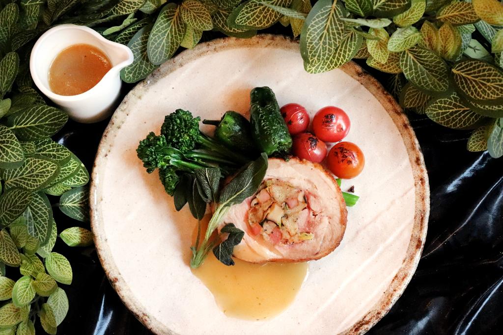 How to make Miku chef Jason Do's turkey leg roulade with bacon, shiitake mushroom and sagestuffing