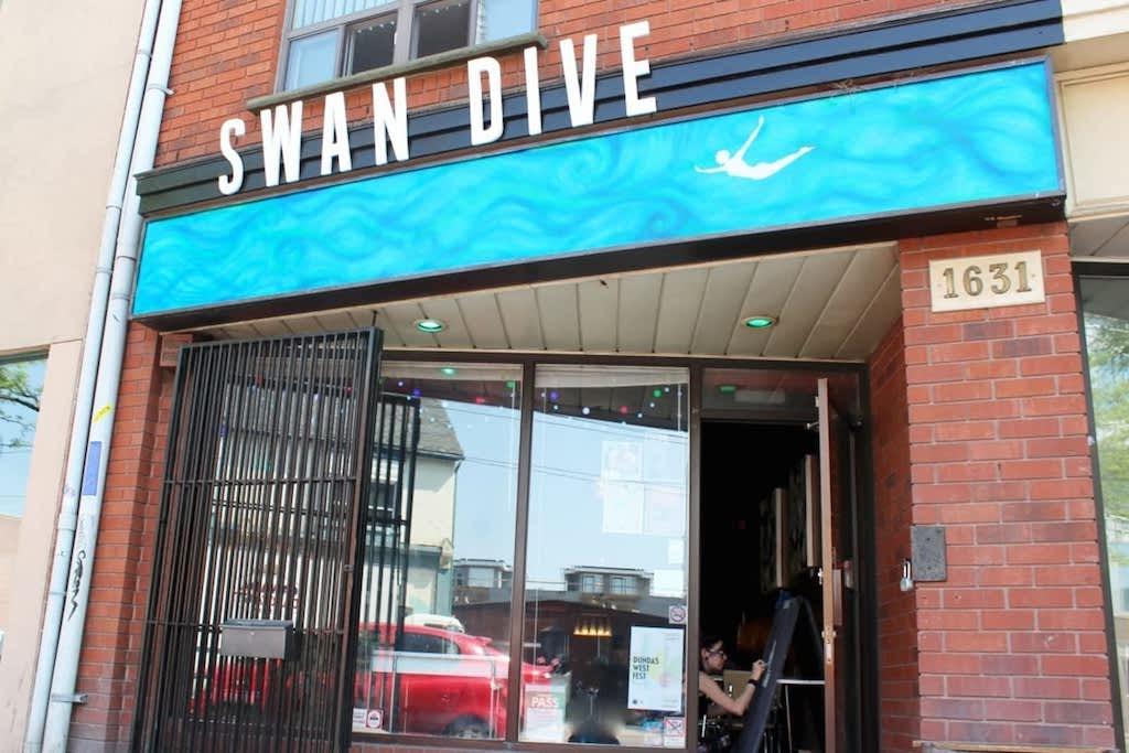 Swan Dive bar