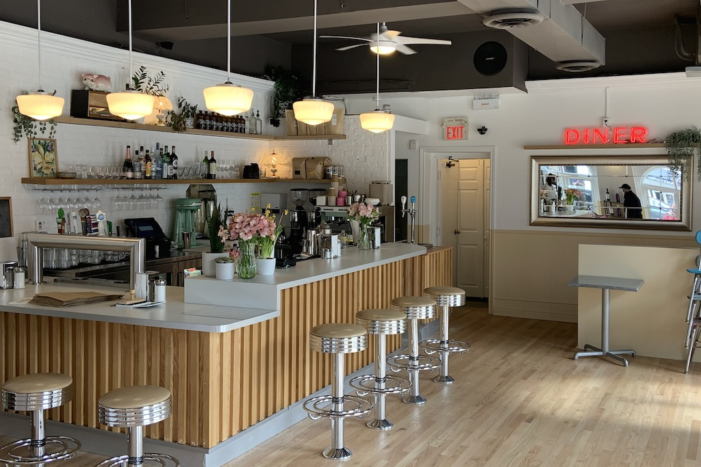 Mira Mira opens new funky diner in the Beach
