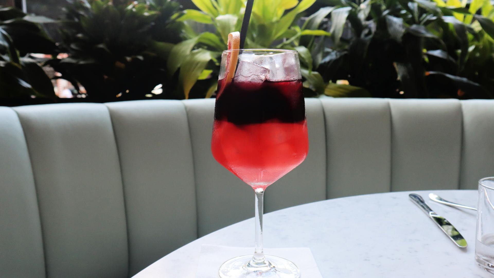 mari cocktail vela