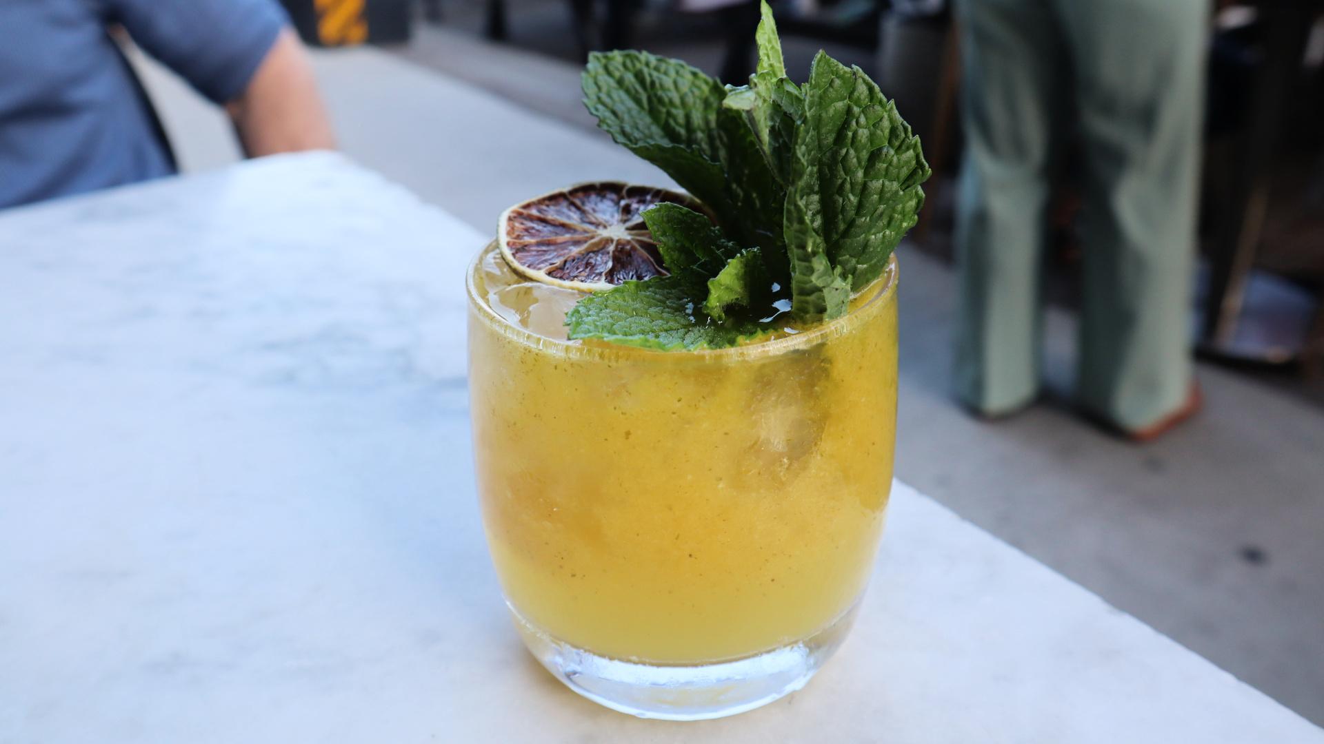 gia restaurant cocktail